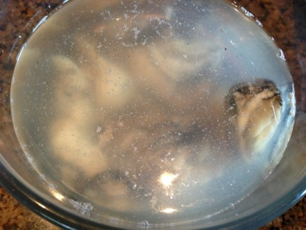 Rinse Oysters in Cold Water