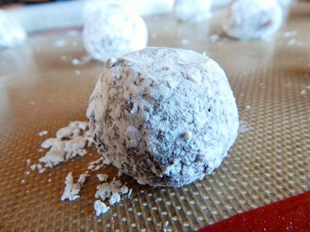 Gluten-Free Chocolate Crinkle Ball