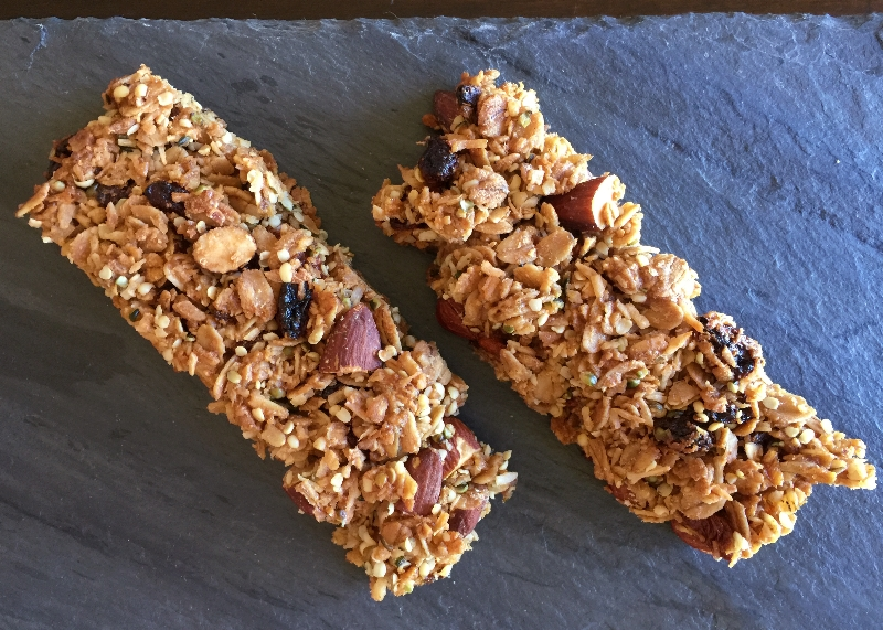 Goji Almond Granola Bars